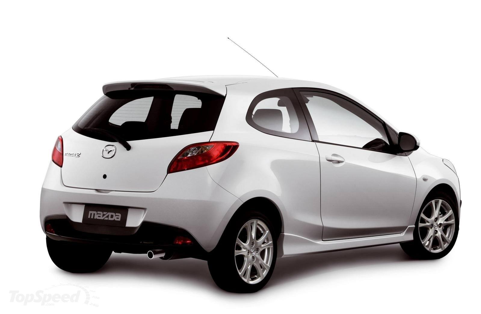 mazda 2 auto euro location voiture compacte et conomiqueauto euro location. Black Bedroom Furniture Sets. Home Design Ideas