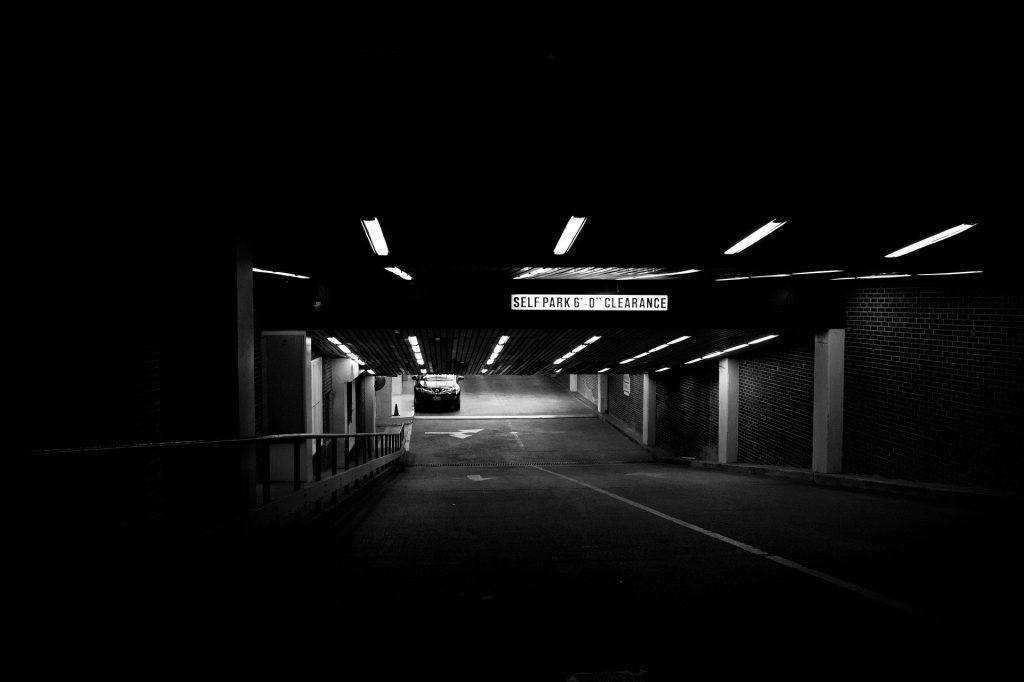 Parking aéroport véhicule